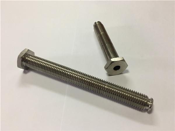 furnizuesit e fasteners titan shitjen bulonave timon Ti6al4v gr5 titan ose pajisje të tjera